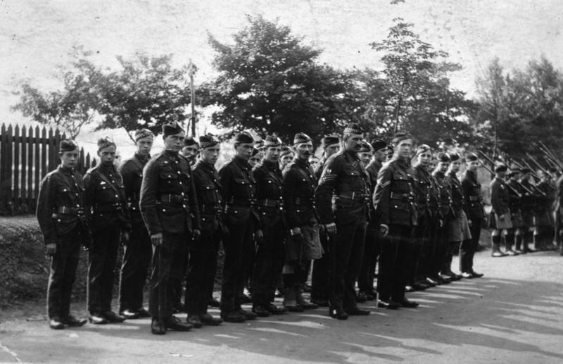 Bothkennar War Memorial: Lance Corporal James Huskie