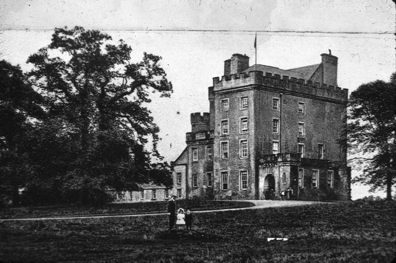 Herbertshire Castle - Home to the wealthy and the poor